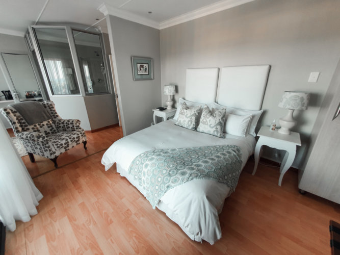 Blueview-east-london-deluxe-room